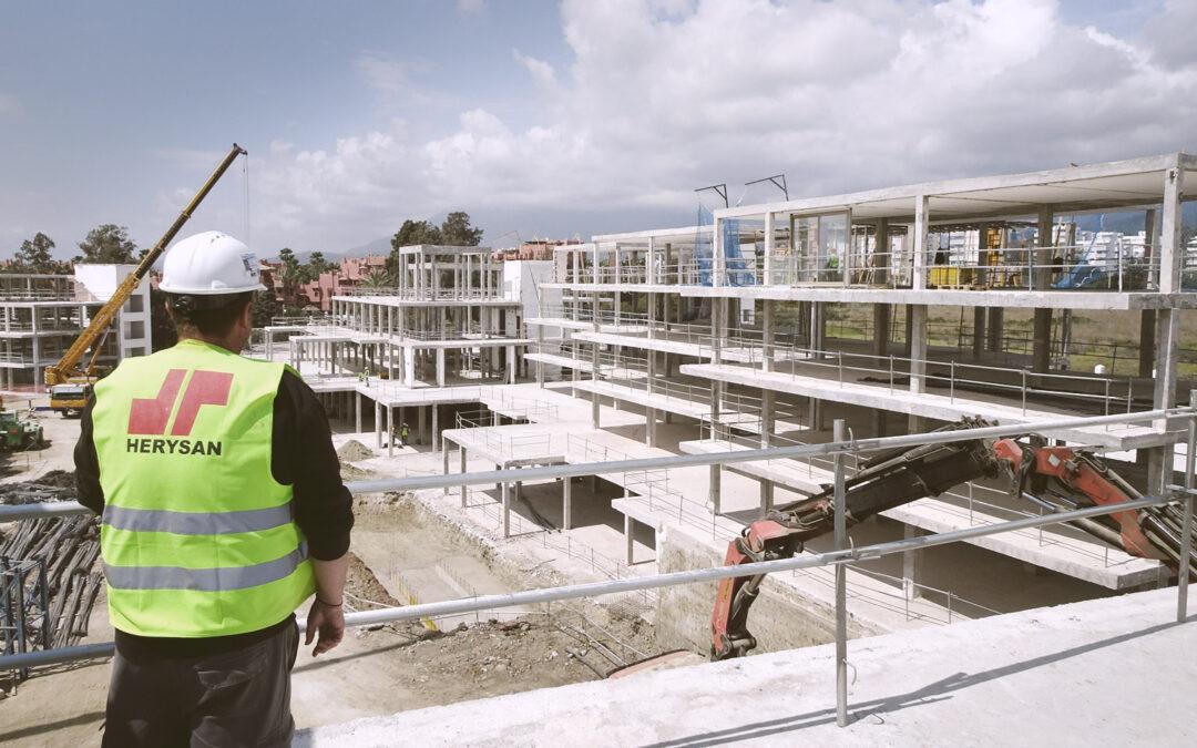 Completamos demolición en hotel en Estepona
