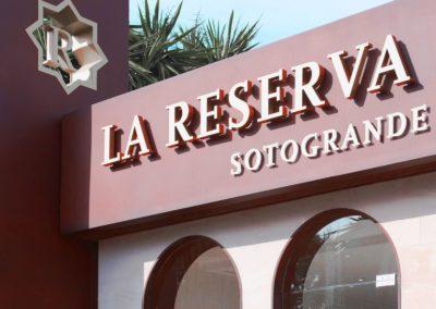 Reforma local comercial para apertura de inmobiliaria en Marbella 03